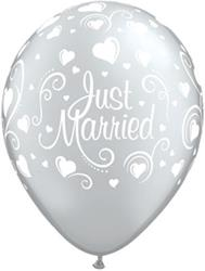 Qualatex Balloons Just Married Hearts Silver 28cm